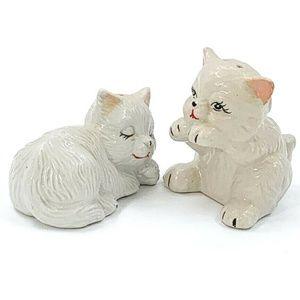 Vintage Salt Pepper Shaker Set White Cats Kittys